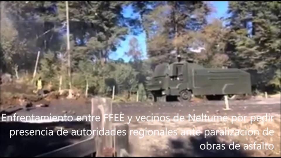 Imágenes del enfrentamiento entre vecinos de Neltume y Fuerzas Policiales Especiales