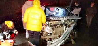 Colisión frontal deja 5 lesionados en sector Puente Quilche hacia Lanco