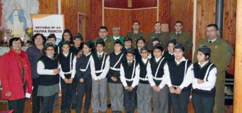 Con permanente apoyo de Carabineros | Brigada de tránsito escolar en Ñancul bendijo implementos