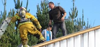 Oportuna reacción de vecinos y bomberos en principio de incendio en Calle Libertad