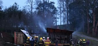 Incendio de bodega deja pérdida total y a un joven con lesiones leves