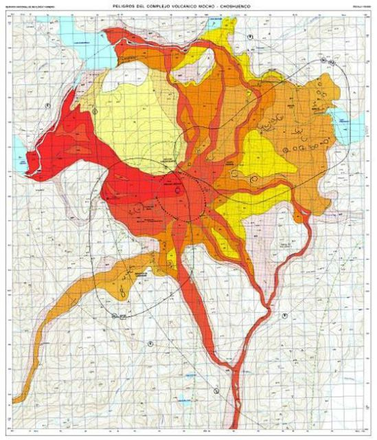 Zonas de riesgo ante una erupción del complejo Mocho Choshuenco (rojo peligro máximo)