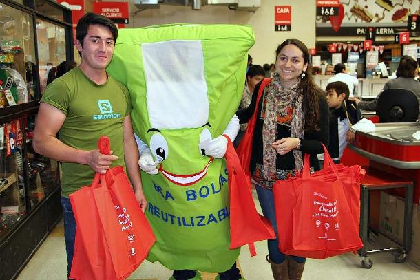 """La Campaña """"Sal con tu bolsa reutilizable"""""""