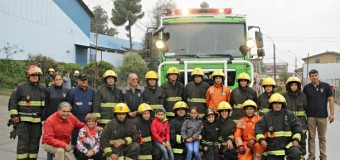 Bomberos de Panguipulli festejan llegada de moderno Carro Forestal