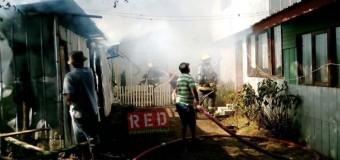 Bomberos controló a tiempo incendio en pleno centro de Coñaripe