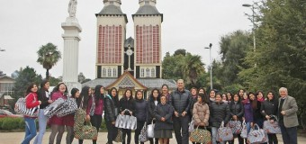 Alcalde Aravena entrega aporte a jóvenes afectadas por incendio de internado