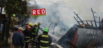 La estaban terminando | Incendio destruyó casa de dos niveles en la parte alta de la ciudad