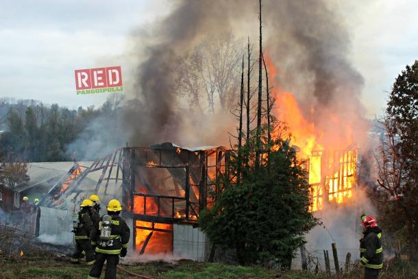 Incendio en Villa Olave deja 3 damnificados