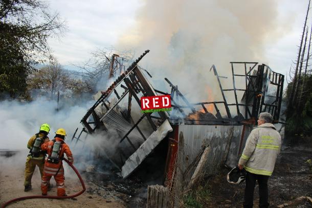 Bomberos de 3 compañías llegaron a la emergencia