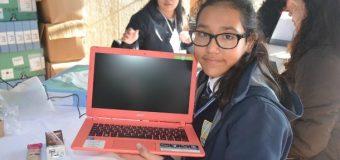 Gobierno entregó notebook a 284 niños de Panguipulli