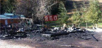 """Incendio consumió casa de un cuidador en fundo """"La Frontera"""" de Liquiñe"""
