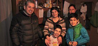 Paola Arévalo recibe ayuda para su hijo Gabriel. Empresario llama a sumarse a la causa