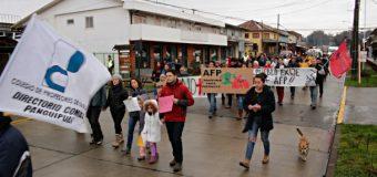 Tv: Manifestantes salieron a las calles de Panguipulli para marchar en contra de las AFP