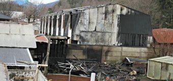 Bomberos combatió violento incendio en Choshuenco. Pérdidas millonarias