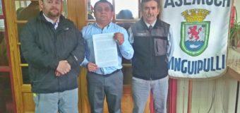 Asemuch arremete y tilda al alcalde Aravena de ignorante frente al pago de bonos