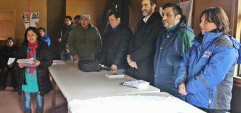Comunidades opositoras al proyecto Mini Hidro Tranguil se reunieron con servicios públicos