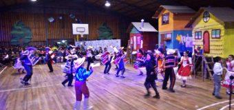 Estudiantes se lucieron en aplaudida «Gala Folclórica» realizada en Choshuenco