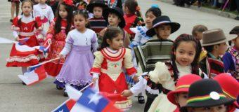 Más de 5 mil alumnos desfilaron este jueves en Panguipulli