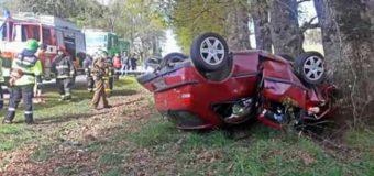 Dos adultos y una infante lesionados tras volcar vehículo en ruta a Los Lagos