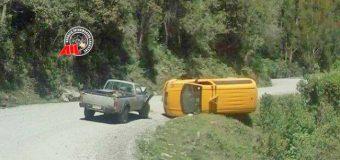 Furgón con escolares volcó tras colisionar en ruta Coñaripe – Liquiñe