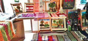 """Mujeres de Choshuenco crean agrupación de artesanas """"Witral Somo"""""""