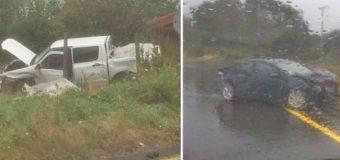 3 lesionados dejó choque de vehículos en Coñaripe. Uno no habría respetado el Disco Pare