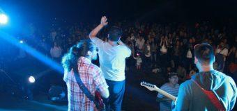 Tres bandas en vivo y pirotecnia dieron vida al show de verano en Choshuenco