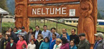 Artesanos de Neltume inauguraron letrero de bienvenida al pueblo