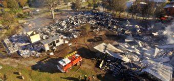 Evalúan daños y diseñan Plan de Contingencia tras incendio de Colegio en Neltume