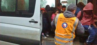 """Quitan de circulación a furgones escolares por realizar """"transporte informal"""" en Coñaripe"""