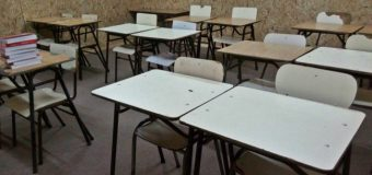 Alumnos de básica y media de colegio incendiado en Neltume retoman clases