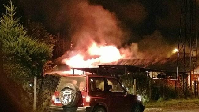 Incendio consumió oficinas del Cuartel de Bomberos   Carola Mandujano