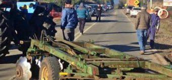 Cortan el tránsito en ruta Panguipulli – Lanco alegando irregularidades en obras de PRT