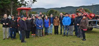 INDAP entrega maquinaria agrícola a comunidades mapuche del sector costero de Valdivia