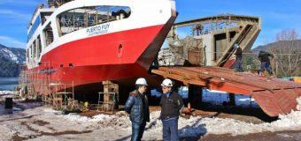 Nueva barcaza Puerto Fuy ya supera el 75% de avance y entraría al lago a mediados de agosto