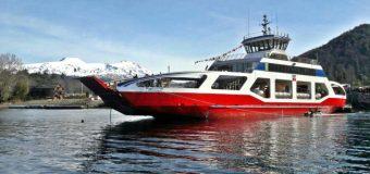 Sin problemas y de manera sorpresiva ingresó Barcaza Puerto Fuy a lago Pirehueico