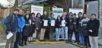 Productores de Feria Agroecológica en Isla Teja renuevan sus ventas por un año más