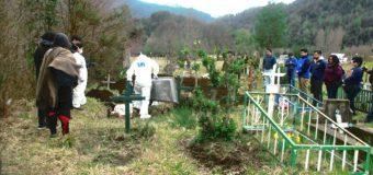 Exhuman restos de Macarena Valdez desde cementerio de Tránguil
