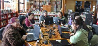 Mujeres de Panguipulli refuerzan sus competencias digitales gracias BiblioRedes