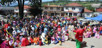 """Unos 500 niños y niñas se sumaron a la comparsa por el día de la """"Educación Parvularia"""""""