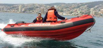 Entregan bote de rescate a Bomberos de Panguipulli