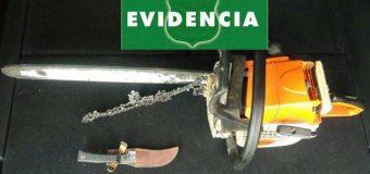 Detienen en Lanco a sujeto que tras agredir a su cónyuge, amenazó a Carabineros con una motosierra