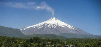 Realizarán reuniones de coordinación con comunidades de Pucura y Traitraico por aumento en actividad volcánica