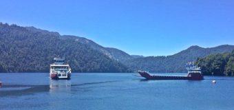 Transportes confirma que ambas barcazas se encuentras operativas en Lago Pirehueico