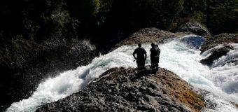 Continúa búsqueda de turista desaparecido en Río Fuy en Neltume