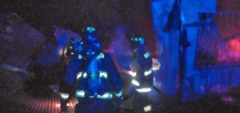 Incendio consume Escuela Básica Trelehueno, en Coñaripe