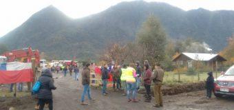 Manifestantes paralizaron obras de Copcisa molestos por extracción de áridos en Coñaripe