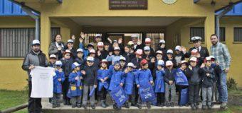 Enseñan a niños de Puerto Fuy la importancia de respetar el período de veda