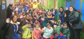 Forestín celebró nuevo cumpleaños en Escuela de Lenguaje Rayito de Luz en Panguipulli