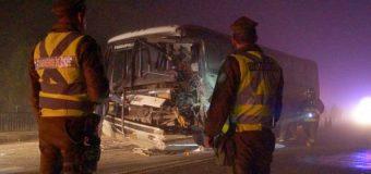 Colisión de buses Pirehueico y Jac deja 12 heridos en Mariquina